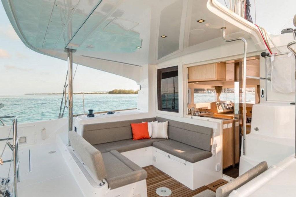 Lagoon 39 deck